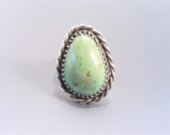 Vintage Southwestern Green Gaspeite Sterling Ring Size 6