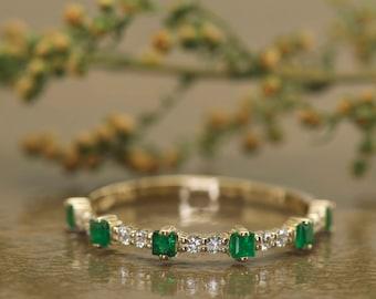 Square Emerald & Diamond Wedding Band in 14k Yellow Gold, 0.27ctw Natural Emerald, 0.13ctw Diamonds, 2.5mm Wide, Dot Dash Dash Design, Sage