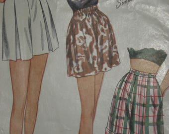 Vintage 1947 Women's Shorts Sewing Pattern Size 12 Three Styles Pleats, Cuffs Elastic waist  Simplicity Pattern # 2017