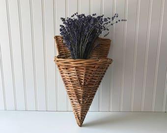 Vintage Door Basket, Wicker Door Pocket, Woven Mail Basket, Hanging Wall Caddy, Door Wreath, Front Door Decor, Wall Pocket, Country Cottage