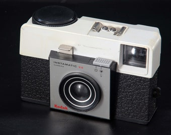 Vintage Kodak Instamatic 25 Film Camera