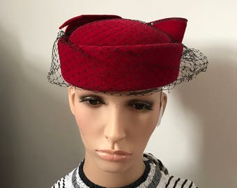 Vintage 1950s Style Red Felt Pillbox Hat With Bow by Phillip Somerville