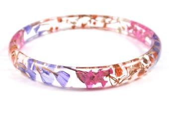 Real Flower Bangle Bracelet, Skinny Stacking Bangle, Resin Bangle Bracelet, Dainty bracelet, Plant Bracelet, Botanical jewelry, Size L