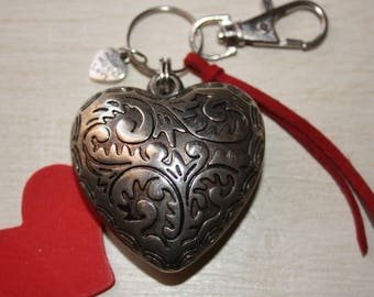 Large hammered heart key ring