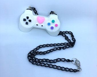 Kawaii Controller Necklace (pink heart)