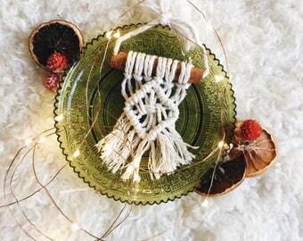 Sugar & spice ornament