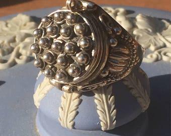 Poison Secret Box Silver Ring ~ Ball Design - US SIZE 6 1/4 ~