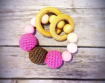 best baby teething ring/ teether for baby/silicone teether/wooden teether/ baby rattle/ baby soother/ baby chew toy/ baby gift/ baby ring
