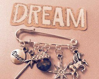 MAGICAL UNICORN Brooch pin