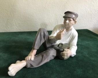 Royal Copenhagen Figurine No. 865 Boy Eating Lunch