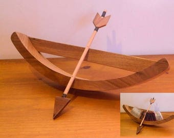 Support form medieval inspired bow