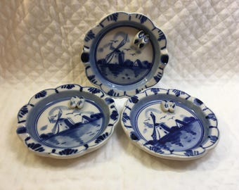 Delft Blue Ashtray, Windmill Design, Tiny 3D Clogs, Hand Painted, Cobalt Blue on White, Set of 3 Blue on White Ashtray