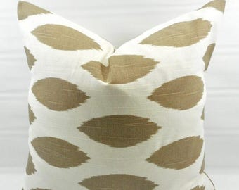 SALE Ecru Pillow cover. Ecru & white Chipper  Print Pillow cover. Country Style Pillow Case. 1 piece. Cotton. Select your size