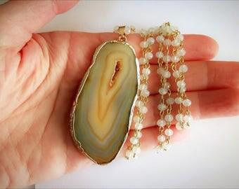Agate Necklace, Druzy Necklace, Raw Stone Necklace, Opal Necklace, Gold Dipped Necklace, Beaded Necklace, Gold Dip Stone, Crystal Necklace