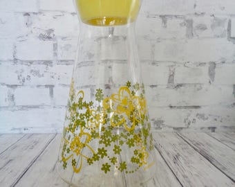 Vintage Orange Juice Carafe, Large Size, Bright Graphics Perfect for Family Breakfasts, Daisy Orange Juice Pitcher, Yellow Green OJ Carafe