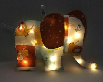 Veilleuse Personnalisable Bébé Éléphant Oreilles Motifs - Coussin lumineux : choix prénom et tissu