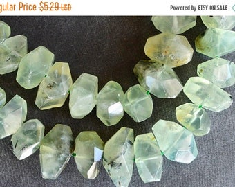 20% off SALE Faceted Prehnite Stone Nugget Beads, Stone Nuggets (3 beads) Green Prehnite Beads Stone, Gemstone, 15-25mm, Green Stone Hand Cu
