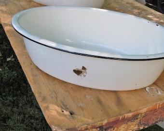 Enamelware Baby Bathtub / Heavy White Enamel with black edge /  Great Washtub / Picnic Cooler