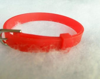 Bracelet clasp red silicone type belt