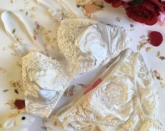 Betty White Silk Soft Lace Bra & Panties Lingerie Set