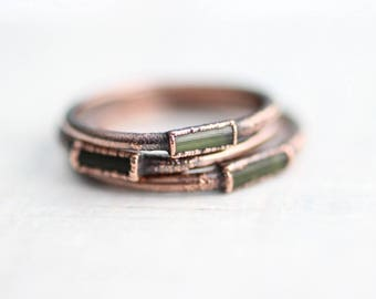 Raw Green Tourmaline Ring Green Tourmaline Ring Copper Ring Green Tourmaline Ring Wedding ring Engagement ring Copper Gemstone ring