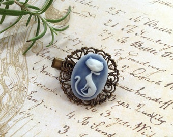 Navy And White Contemporary Cat Clip