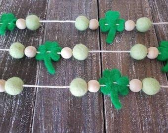 St. Patrick's day garland. Wood bead garland, felt ball garland decor, st. Pattys decor 6ft spring garland, green Garland.. Gold garland
