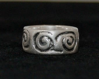 70's big etched sterling mystic spirals hippie stackable band, primitive oxidized 925 silver spiral of life tribal swirls ring, size 8.5