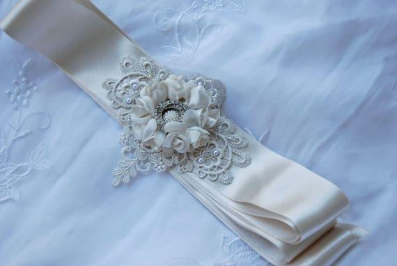 Champagne bridal belt;floral bridal belt; lace and satin bridal belt