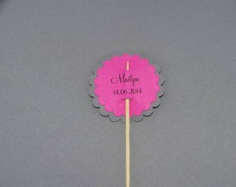 Name and date scalloped circle tag