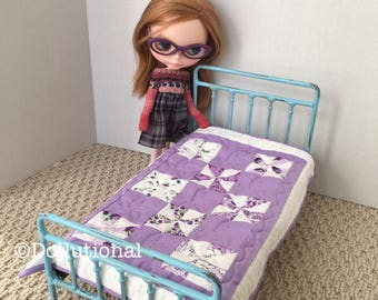 Custom Ooak Quilt for Blythe or similar doll 1:6 scale Blanket pinwheel