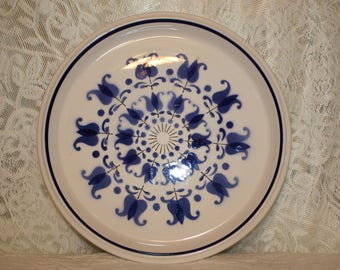 C8 Dinner Plate in Windmill by Mikasa Light and Lively Cobalt Navy Blue Dutch Tulips