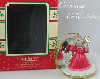 Enesco I Feel Pretty Treasury of Christmas Ornament Miss Merry Mouse 1st in Series Makeup Compact #1 Mice Collection Vintage