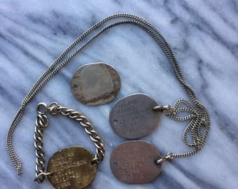 WWII 1942 USNR Navy Dog Tags T. 10-42 Military Set of 4 Bracelet Chain