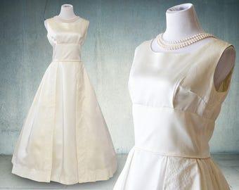 SUMMER SALE 1960s 1950s Wedding Gown Sleeveless Ivory Satin Elegant Bride Rare Larger Size