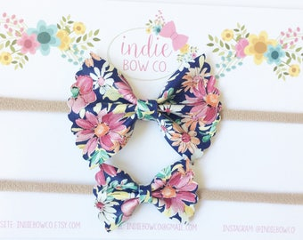 Hair bow, Girl bow, baby bow, baby headband, Large or Small scallop Navy Floral, Headband or clip