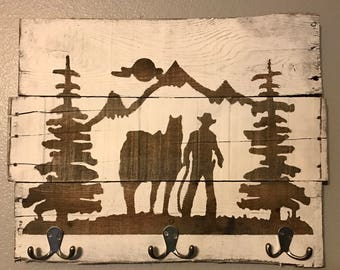 "Rustic pallet sign ""Cowboy"" with hooks"