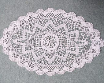 Vintage Hand Crocheted Doiley or Tray Cloth. Beautiful English Hand Crochet Lace Doily, White and Perfect For A Tea Party, Tea Tray or Table