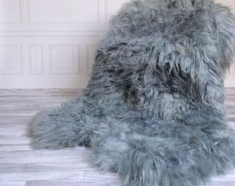 Icelandic Sheepskin Throw | Gray Throw | Gray Sheepskin Rug | Square Sheepskin Rug | Quatro Sheepskin Rug | 190 x 120 sheepskin