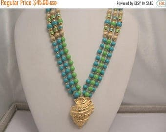 20% Off Sale Vintage Retro Signed Gay Boyer Blue & Green Torsade Sea Shell Necklace