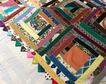 Vintage Quilt Log Cabin Multicolored Blocks on White Backing Finished with Triangle Edging // Excellent Cond. // Full or Coverlet for Queen