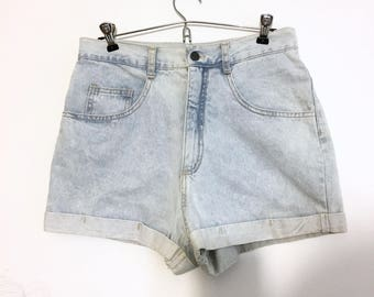 Thick Girls Best Friend // high wasted shorts