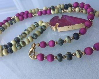 Agate arrowhead beaded boho necklace/pink/magenta cream and gray/Boho glam