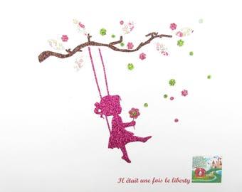 Appliqués thermocollants Petite fille sur une balançoire liberty Eloïse rose et flex pailletés arbre empreinte motifs thermocollants liberty