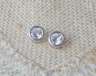 10k  White Gold  and Cubic Zircon Stud Earrings, Vintage 10kt Gold Earrings, 10k Zircon Minimalist Earrings, Wedding Earrings Gold Jewelry