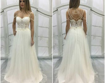 Vintage Inspired WeddingDress,Bustier Bridal Corset,Light-As-Air Tulle Skirt,wedding dress withBustier Bridal lace corset,dress with beads