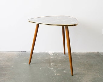 Kidney Shaped Table, Coffee Table, 50s Table, Cocktail Table, Tripod Table