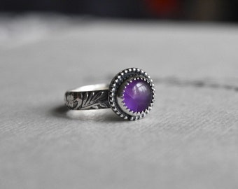 Sterling Silver and Amethyst Floral Ring. Size 7