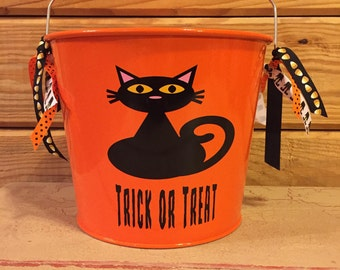 Personalized Halloween Bucket | Halloween Pail | Candy Bag | 5 Quart Pail | Black Cat | Trick Or Treat | Halloween Decoration