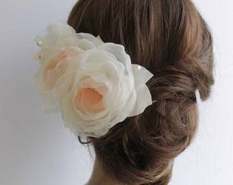 Wedding Hair Flower, Peach White Bridal Hair Piece, Romantic Flower Hair Accessory, Peach Bridal Flower Hairclip, Floral Fascinator